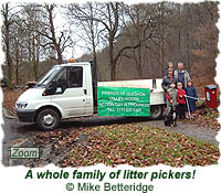 A whole family of litter pickers!